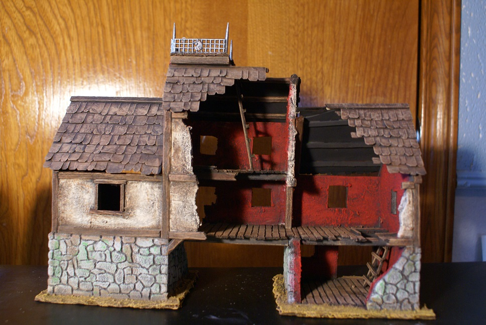 Small, but growing collection of Mordheim Terrain Dsc01471b